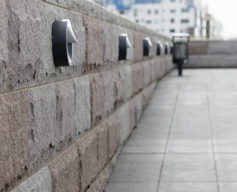 Beklädnadsmur med kvadermönster