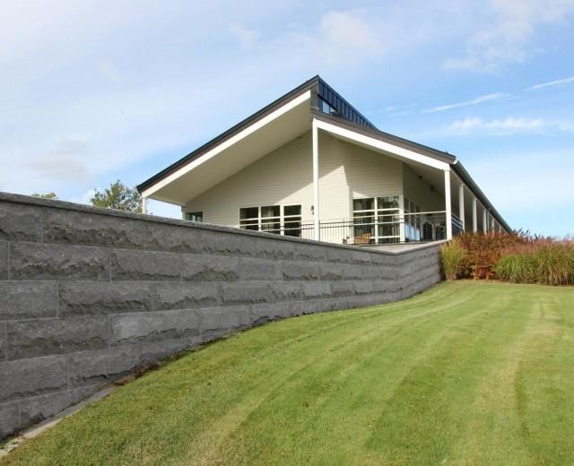 Mur med kvadermönster