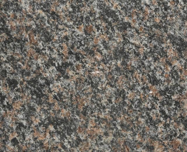 Rödbrun Kuru, Råkilad